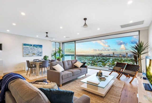 https://oceanusdesign.com.au/wp-content/uploads/2019/11/gold-coast-property-style1-640x435.jpg